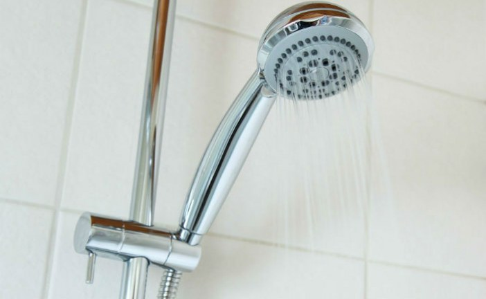 Que faire en cas de panne d'eau chaude dans la douche?