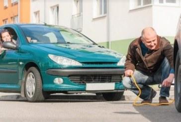 Comment remorquer une voiture avec une barre de remorquage ?