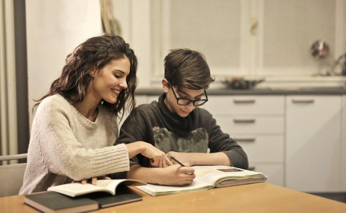 Soutien scolaire: à la maison ou en ligne?